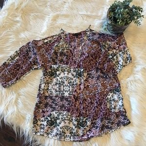 Women's Cold Shoulder Flowered Blouse Size M